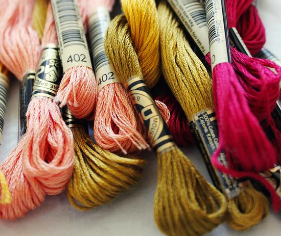 Нитки мулине для вышивки на одежде