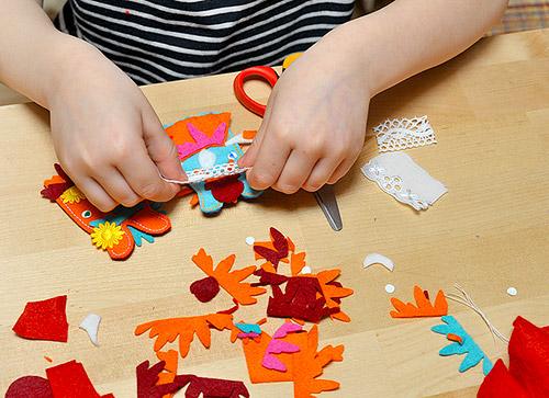 Дети делают игрушки своими руками