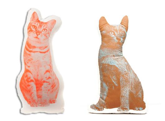 Подушка-игрушка с изображением вашео домашнего животного