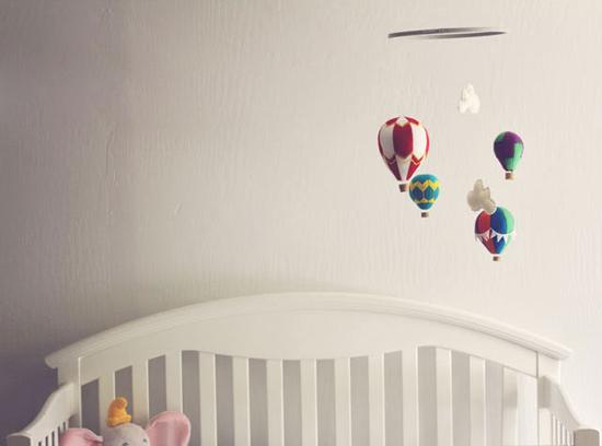 Декорируем детскую комнату своими руками