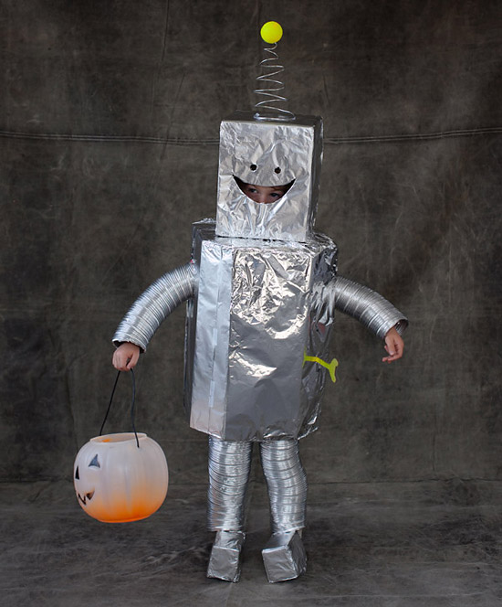 Костюм робота из коробки своими руками
