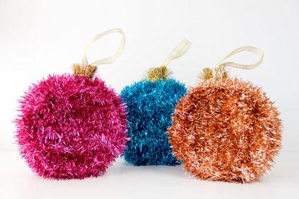 Елочные шары декорированные мишурой