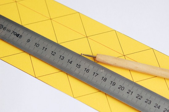 Как сделать вазу из бумаги своими руками2
