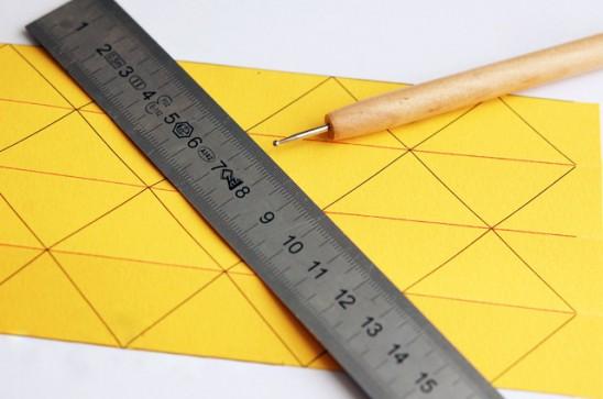 Как сделать вазу из бумаги своими руками3