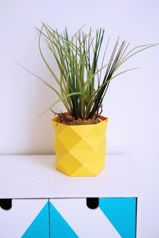 Как сделать вазу из бумаги своими руками7