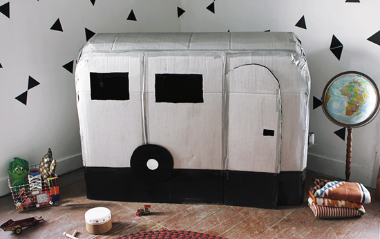 домик на колесах из коробки